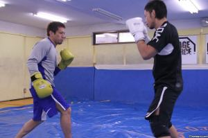 Mitsuoka sparring with Caol Uno. - Kamipro.com