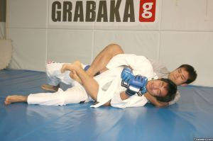 Kikuta preparing for the gi. - Kamipro.com