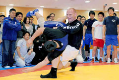 Karelin Lift! - Chunichi.co.jp